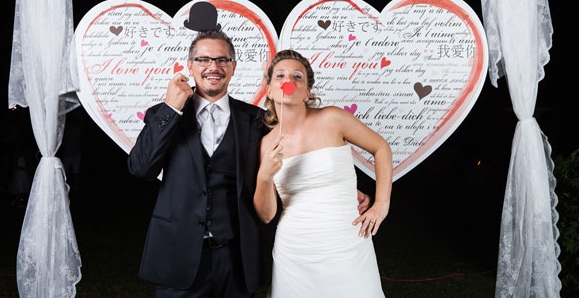 1394808461_Idee-foto-matrimonio-photobooth.jpg
