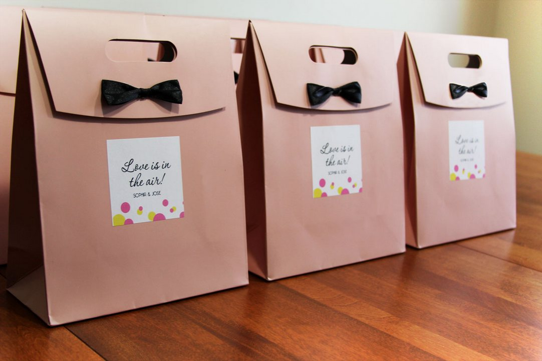 Guest-Post-Five-Tips-for-Great-Wedding-Welcome-Bags2.jpg